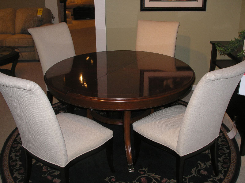 Thomasville Bogart Collection 54 Pedestal Table